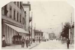 [Le Chemin des Pins à Montchat, au passage à niveau de la ligne de l'Est, au début du XXe siècle]