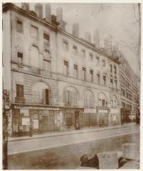 [Le Quartier Grôlée avant sa démolition : façade de l'ancien couvent des Cordeliers]