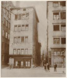 [Le Quartier Grôlée avant sa démolition : quai de l'Hôpital]
