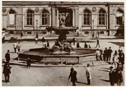 [Ancienne fontaine de la place des Terreaux, à la fin du XIXe siècle]