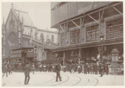 [Le Grand-Bazar de Lyon, pendant les travaux d'agrandissement et de surélévation du magasin, février 1913]