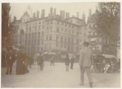 [La Place Le Viste, à la fin du XIXe siècle]