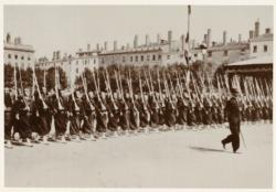 [Le Défilé des Zouaves, place Bellecour, le 14 juillet 1905]