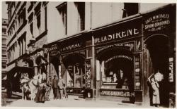 [Ancienne pharmacie de la Sirène, rue de la Fromagerie, au début du XXe siècle]
