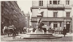 [Monument fontaine à Jean-Pierre Pléney]