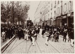 [Le Défilé des jouteurs, place Bellecour, en 1902]