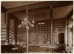 [Grande Pharmacie Lyonnaise, au début du XXe siècle]