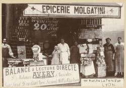 [Epicerie Molgatini, 122 rue de la Tête-d'Or, au début du XXe siècle]