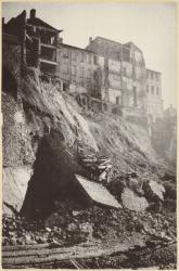 [Eboulement du mur de soutènement de la colline de Fourvière lors de la construction du funiculaire]