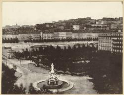 [Place Morand : fontaine monumentale]