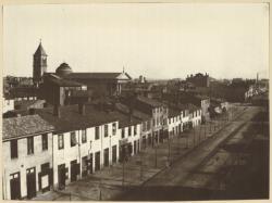 [L'Avenue de Saxe : clocher de l'église Saint-Pothin]