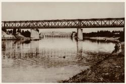 [Canal de Jonage : pont de chemin de fer et usine hydroélectrique]