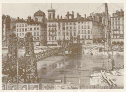 [La passerelle provisoire La Feuillée, sur la Saône]