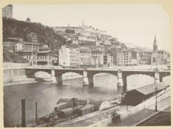 [Le Pont d'Ainay, sur la Saône, entre 1860 et 1870.]