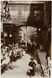 [Le Passage des magasins du Printemps, rue Palais-Grillet, au début du XXe siècle]