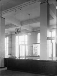 [L'Hôtel de ville de Villeurbanne : le guichet du 3e bureau au 1er étage]