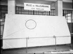 [Plan parcellaire de la commune de Villeurbanne, au 1/1000e et sur tambour, exposé en 1934 dans les bureaux du nouvel hôtel de ville]