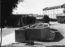 [Jardin des Tout-Petits, avenue de la Ferrandière, à Villeurbanne : le labyrinthe]