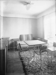 [Intérieur d'un appartement des Gratte-Ciel à Villeurbanne : la salle à manger]