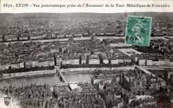 Lyon : Vue panoramique prise de l'ascenseur de la Tour Métallique de Fourvière.
