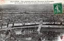 Lyon : Vue générale prise de l' Ascenseur de Fourvière ; Les Cordeliers, les Terreaux, la Guillotière et les Brotteaux.