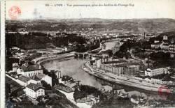 Lyon : Vue Panoramique, prise des Jardins du Passage Gay.