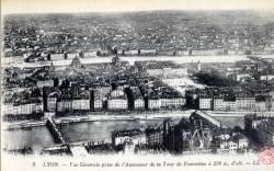 Lyon : Vue générale prise de l'Ascenseur de la Tour de Fourvière à 376 m. d'alt.