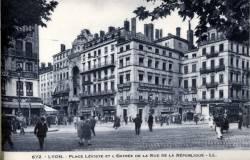 Lyon : Place Léviste et l'entrée de la rue de la République