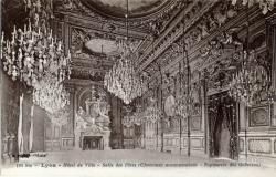 Lyon : Hôtel de Ville ; Salle des Fêtes (Cheminée monumentale ; Tapisserie des Gobelins)