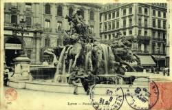 Lyon : Fontaine Bartholdi.