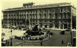 Lyon : Place des Terreaux - le Palais des Arts.