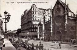 Lyon : Église Saint Bonaventure et Galeries Lafayette.