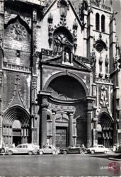 Lyon (Rhône). - Le portail de l'Eglise Saint Nizier