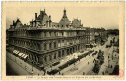 Lyon : La Place des Cordeliers et le Palais de la Bourse