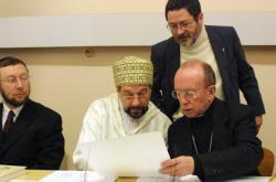 """[Espace interreligieux """"Mains ouvertes"""" : rassemblement des communautés religieuses de Lyon]"""