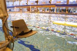 [Piscine Olympique de Lyon-Vaise : aménagement du bassin pour les handicapés]