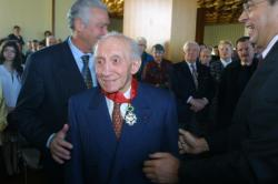 [Henri Malartre décoré dans l'Ordre de la Légion d'honneur]