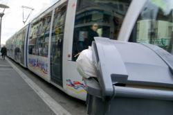 [La ligne T2 du tramway, avenue Berthelot]