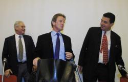 [Bernard Kouchner, ministre délégué à la Santé, en visite à Lyon]