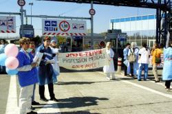[Manifestation des sages-femmes des hôpitaux de Lyon]