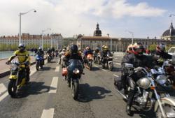 [Manifestation des motards dans le centre-ville de Lyon]