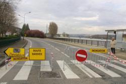 [Crues de la Saône en périphérie de Lyon, mars 2001]