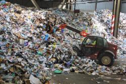 [Traitement des ordures ménagères au centre de tri d'Irigny]