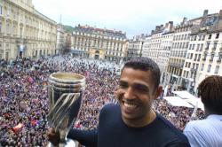 [Victoire de l'Olympique lyonnais en Coupe de la Ligue : réception de l'équipe à l'hôtel de ville de Lyon]