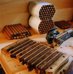 [Châteauneuf-de-Galaure (Drôme) : Manufacture française du cigare]