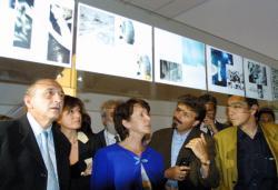 [6e Biennale d'art contemporain de Lyon (2001). Inauguration par Catherine Tasca, ministre de la Culture]