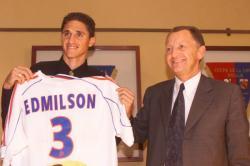 [Edmilson signe pour cinq ans avec l'Olympique lyonnais]