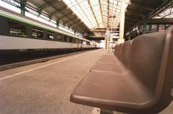 [Quais de la gare de Perrache lors d'une grève de la SNCF]