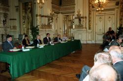[Signature du troisième contrat de Ville dans les salon de la préfecture du Rhône]