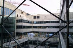 [Construction du centre hospitalier Saint-Joseph Saint-Luc]